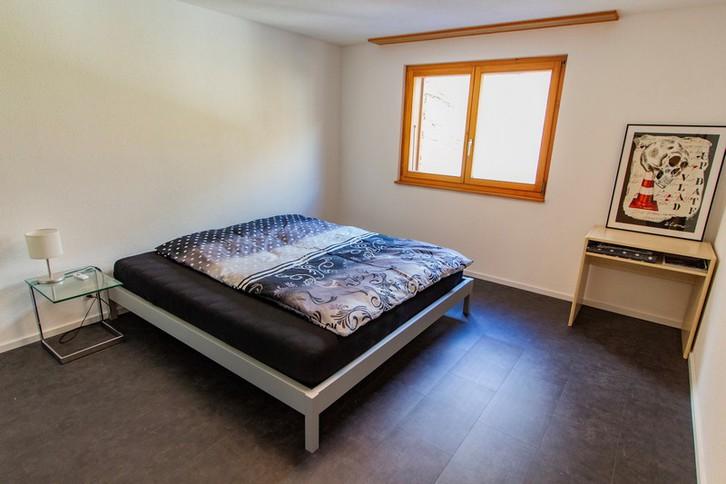 Haus GOLF B, helle, qualitätsvolle 4.5-Zimmerwohnung an ruhiger Lage mit grossem Südbalkon und schöner Aussicht 4