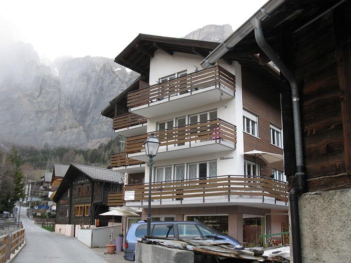 Appartementhaus RHODANIA, 3.5 Zimmer Attikawohnung mit 2 Balkonen 3954 Leukerbad
