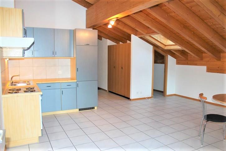 Appartementhaus LEES, neuwertige gemütliche 2.5-Zimmer-Attikawohnung mit Südbalkon 2