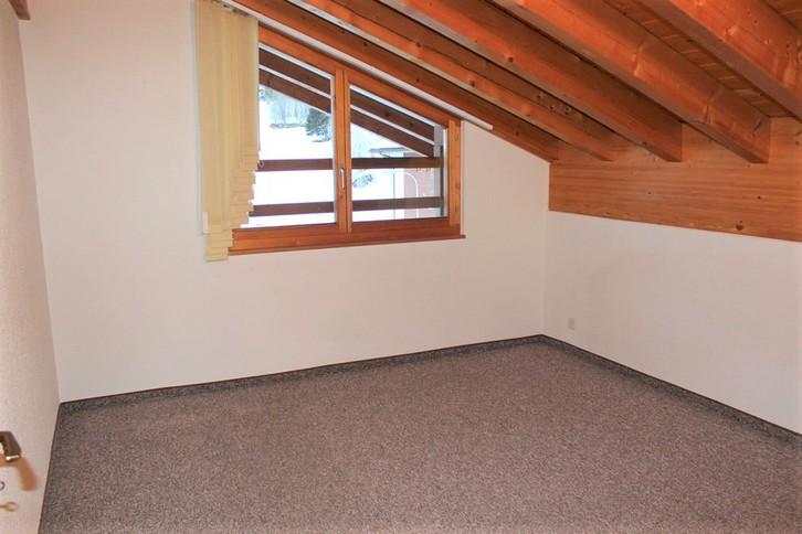 Appartementhaus LEES, neuwertige gemütliche 2.5-Zimmer-Attikawohnung mit Südbalkon 4
