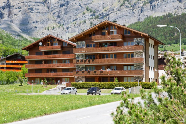 Appartementhaus LEES, helle 4.5-Zimmerwohnung an ruhiger Lage, grosser Balkon mit wunderschöner Aussicht 3954 Leukerbad