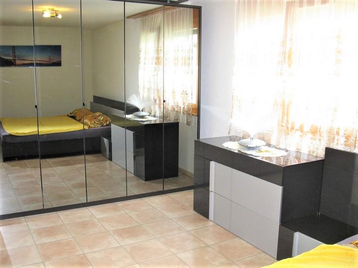 Appartementhaus LEES, helle 4.5-Zimmerwohnung an ruhiger Lage, grosser Balkon mit wunderschöner Aussicht 4