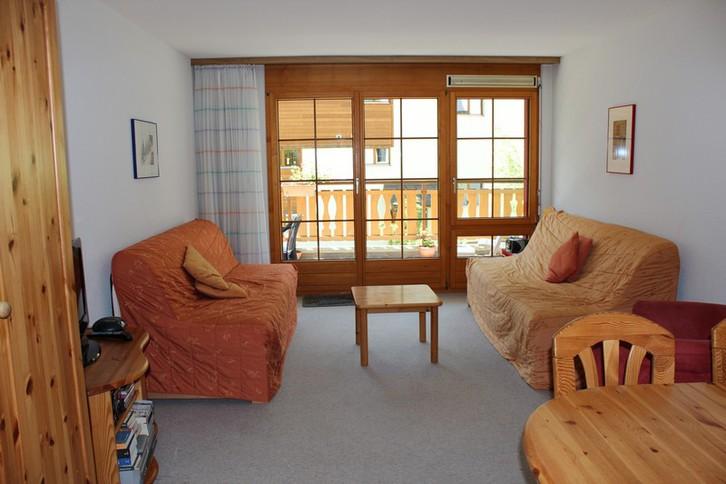 Residenz LES NATURELLES 2.5 Zimmerwohnung im 1. Stockwerk mit schönem und sonnigem Terrassenplatz 3