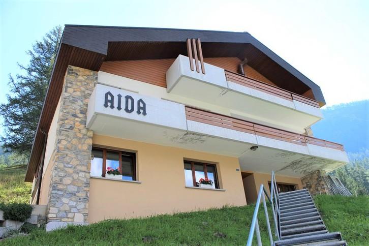 Villa AIDA, luxuriöse Attikawohnung mit Cheminée, Eichenboden und fantastischem Blick 3954 Leukerbad