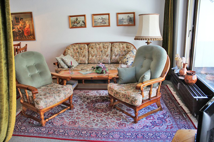 Appartementhaus LÄRCHENWALD 2.5-Zimmerwohnung mit grosser Terrasse und schöner Aussicht 3954 Leukerbad