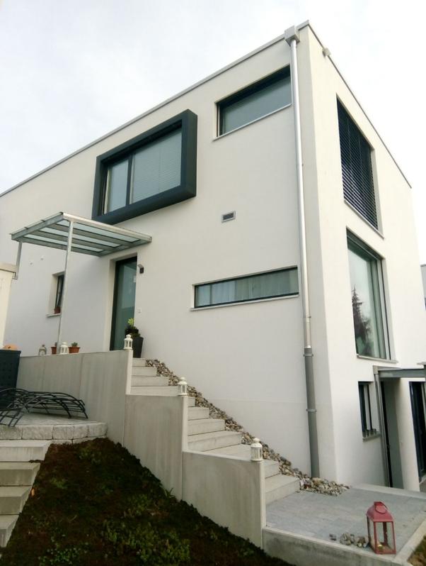 5.5 Zimmer Doppeleinfamilienhaus mit Einliegerwohnung in Menziken  2