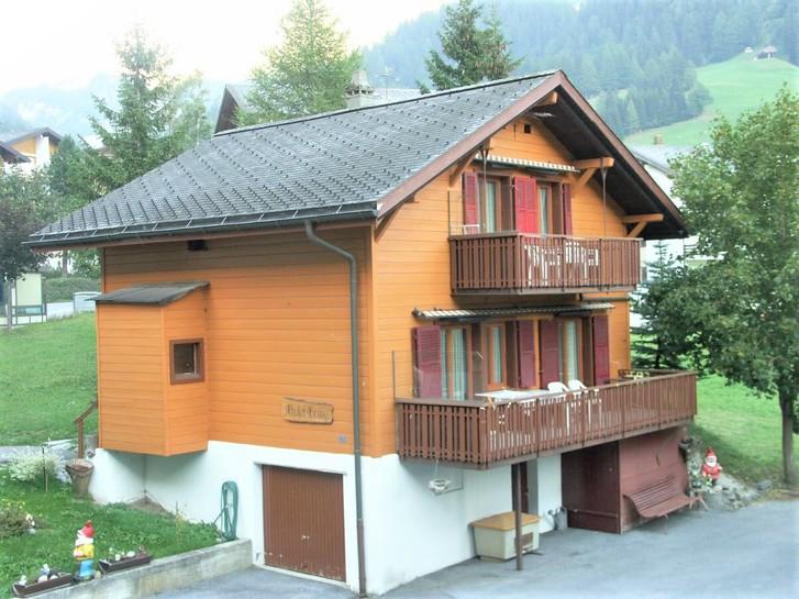 Gemütliches Chalet Gruny mit 2 Wohnungen und grossem Garten 3954 Leukerbad