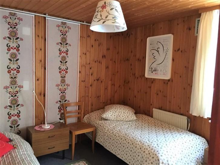 Gemütliches Chalet Gruny mit 2 Wohnungen und grossem Garten 4