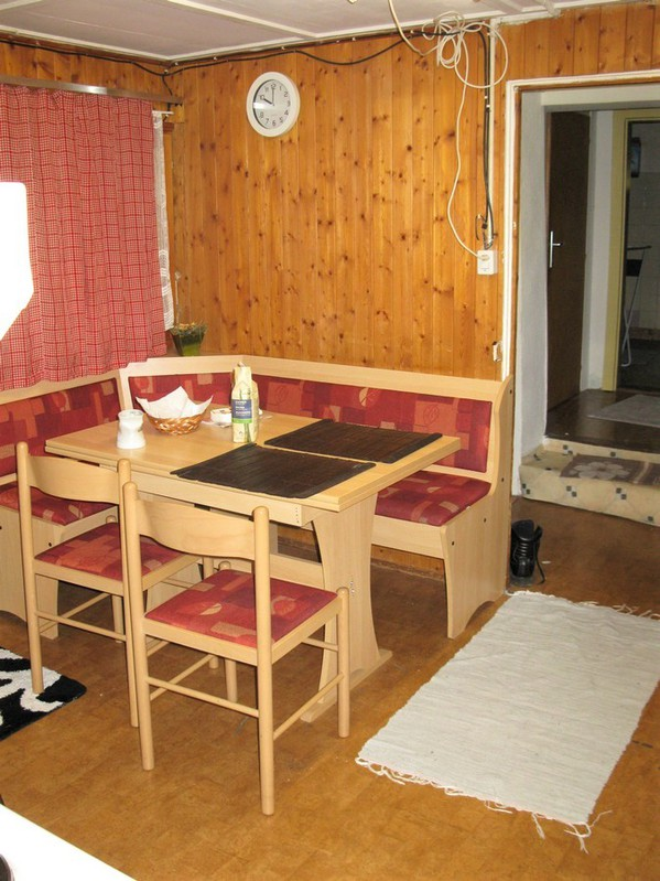 Appartement MÜSLI ganze Etage 2 x 2.5 Zimmerwohnung + Studio + Zimmer, Liebhaberobjekt, renovationsbedürftig, zentral, preisgünstig 4