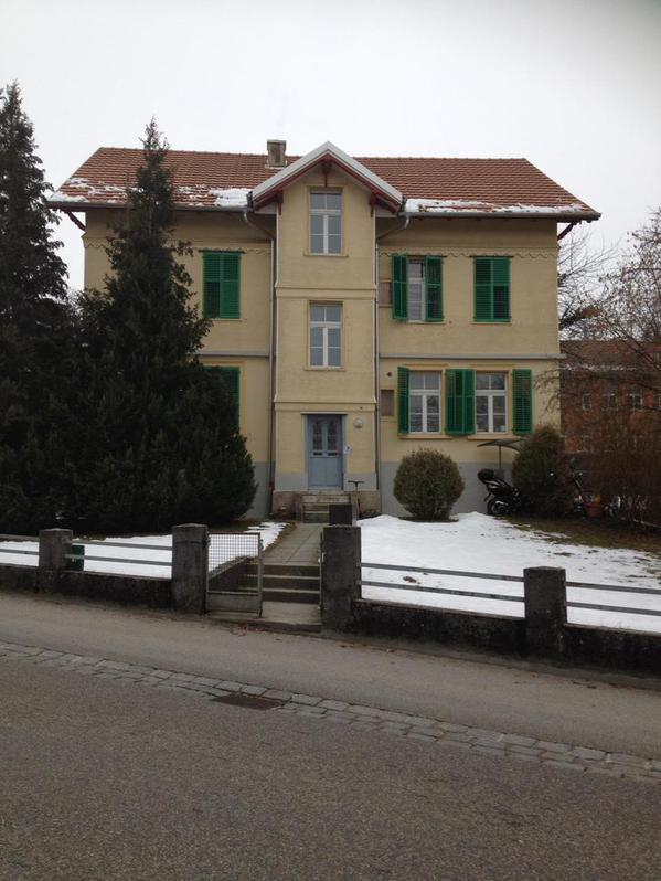 2 Zi.Wohnung renoviert ab 1.4.19 --  790CHF./Mtl. 4