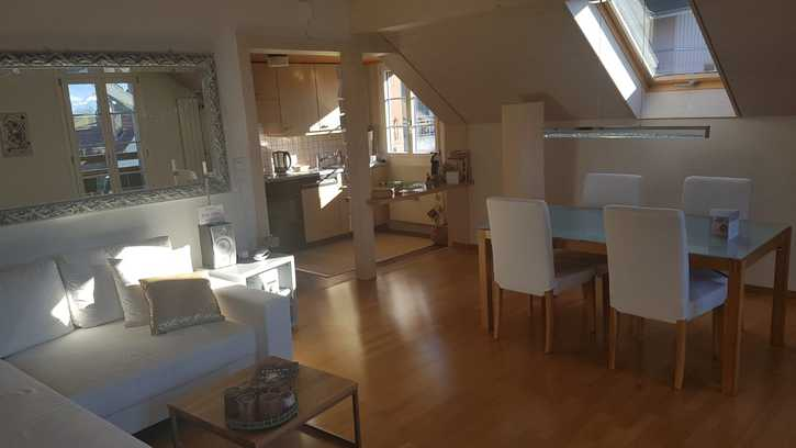 Hübsche, helle 3-Zimmer Altbauwohnung in Oberhofen  3653 Oberhofen am Thunersee
