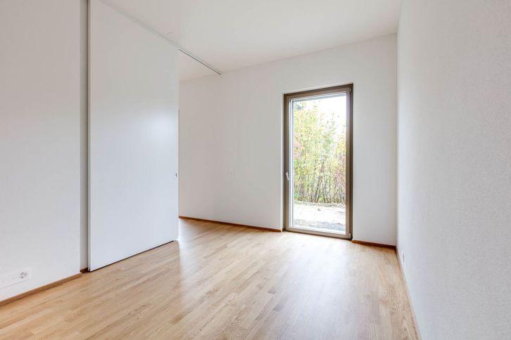 Schöne Parterre-Wohnung mit hohen Räumen und Sitzplatz 2