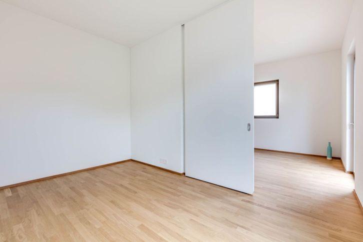 Schöne Parterre-Wohnung mit hohen Räumen und Sitzplatz 4