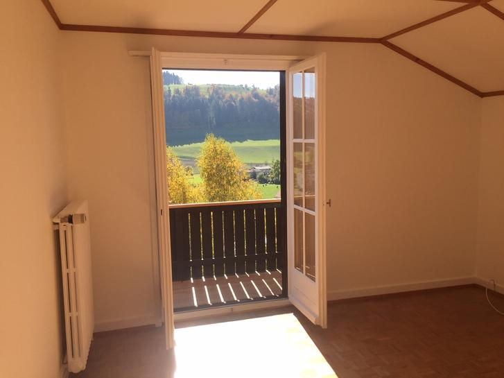 3 1/2 Zimmer Hausteil im Dachgeschoss mit Bergsicht  4