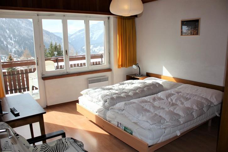 Haus Goliath, gemütliche und grosse 3.5-Zimmereckwohnung mit 2 Balkone und wunderschöne Aussicht 4
