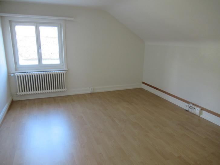 Grosse 5 1/2-Zimmerwohnung (110 m2) zu vermieten 2