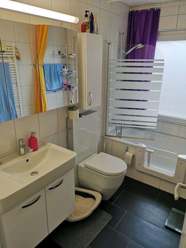Schöne 4.5 Zimmer Wohnung an super Lage mit Pool und Alpensicht 4