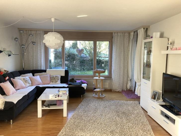 4 1/2 Zimmer-Gartenwohnung helle schöne ruhige, im Grünen 3