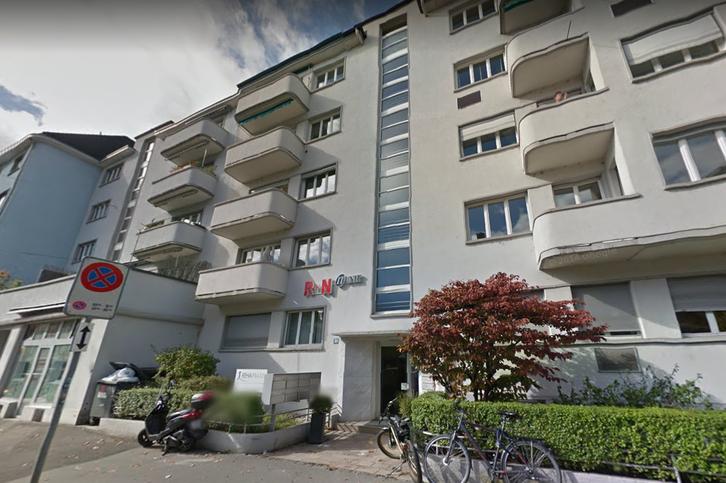Renovierte  2.5-Zimmer-Wohnung mit Balkon!!! 8002 Zürich