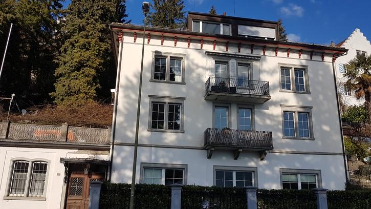 Zu vermieten per 01.06.2019: 3.5 Zi Wohnung 1 .OG mit Seeblick rundum, stilvoll und mit Gartensitzplatz am Zurichsee  Herrliberg am Zuerichsee