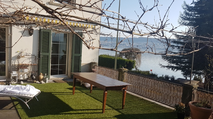 Zu vermieten per 01.06.2019: 3.5 Zi Wohnung 1 .OG mit Seeblick rundum, stilvoll und mit Gartensitzplatz am Zurichsee  4