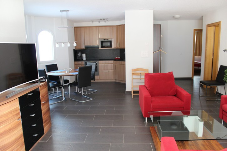 IRIS B, 3.5 Zimmerwohnung in bester Lage in Leukerbad 2
