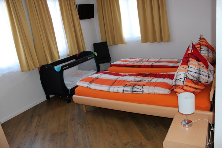 IRIS B, 3.5 Zimmerwohnung in bester Lage in Leukerbad 3