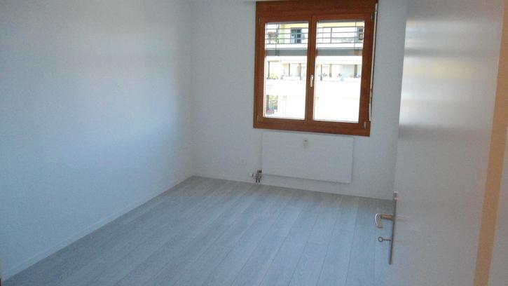 Helle, moderne 3 1/2 Zimmerwohnung 4