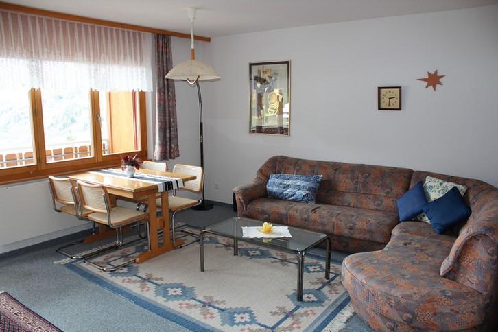 Haus Uranus, helle 2.5 Zimmerwohnung mit grossem Südbalkon und wunderschöne Aussicht 3