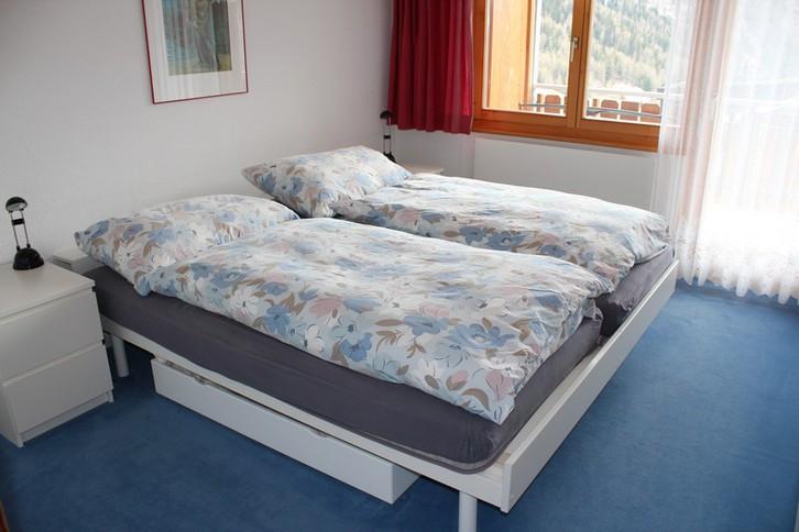 Haus Uranus, helle 2.5 Zimmerwohnung mit grossem Südbalkon und wunderschöne Aussicht 4