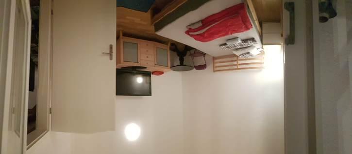 WG Zimmer in hellem Atelier 3
