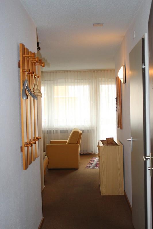 MAJESTA, helle 1.5-Zwg. mit grossem Südbalkon und sehr schöner Aussicht  2