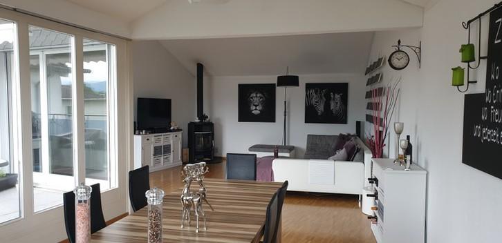 Familienfreundliche 4 1/2 Zimmer Maisonette-Wohnung mit Ambiente in Luzern, per Sofort oder nach Vereinbarung zu Vermieten.  6020 Emmenbrücke
