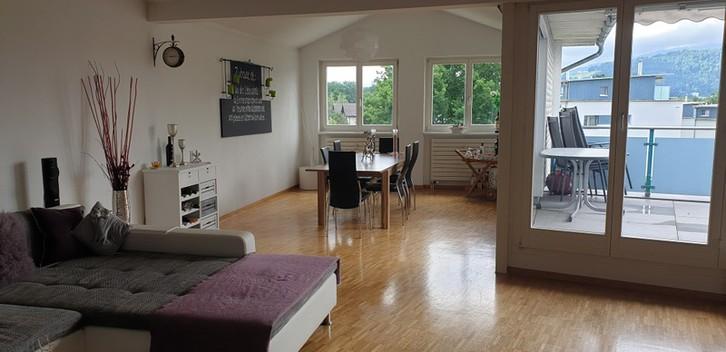Familienfreundliche 4 1/2 Zimmer Maisonette-Wohnung mit Ambiente in Luzern, per Sofort oder nach Vereinbarung zu Vermieten.  2