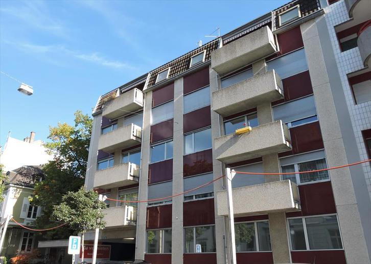 Grosszügige, frisch sanierte 2.5-Zimmerwohnung !!!  4051 Basel