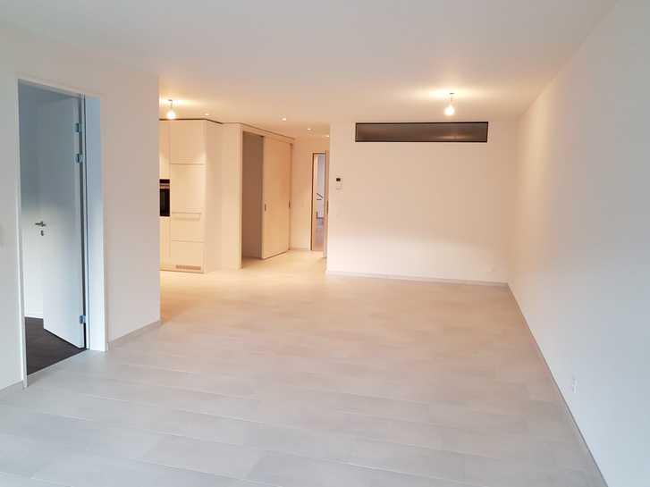 Grosse 2,5 Zimmer-Wohnung 3