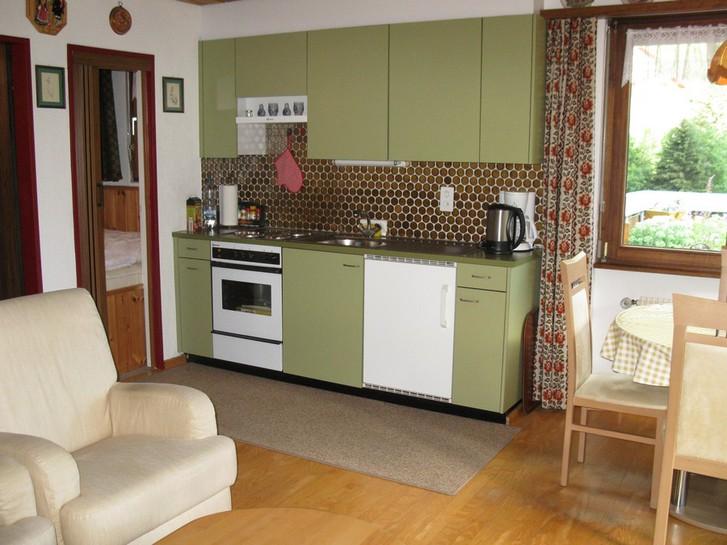 Haus Sandrina, helle Attika-Studiowohnung mit grosser Terrasse und Sauna im Haus 3954 Leukerbad