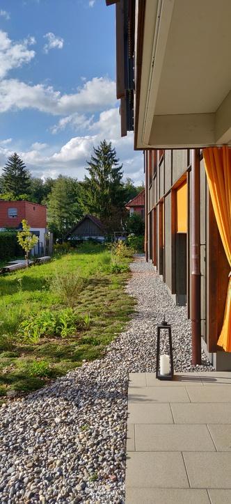 Moderne und helle 2.5 Zimmerwohnung im Erdgeschoss 2