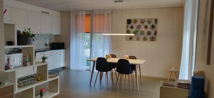 Moderne und helle 2.5 Zimmerwohnung im Erdgeschoss 3