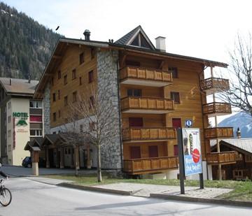 Haus Ariane, moderne 2.5-Zimmer-Duplex-Attikawohnung mit Südbalkon 3954 Leukerbad