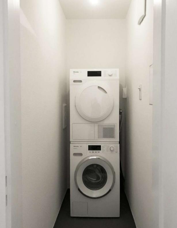 Zentrale 2.5 Zimmer Wohnung im 3. OG mit Lift ! 3