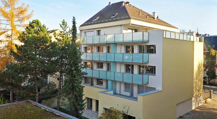 2 Zimmer Wohnung im Gellert mit grossem Balkon ins Grüne 2