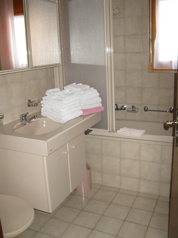 ADLERHORST, komfortable, grosse, helle 3.5-Zimmerwohnung im Zentrum 4