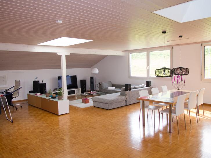 Helle 1-Zimmer Loft-Wohnung ca 150m2 3