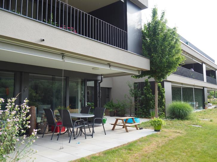 - befristet und wenn möglich möbliert zu vermieten- Eigentumswohnung mit Garten an der Aare.  2