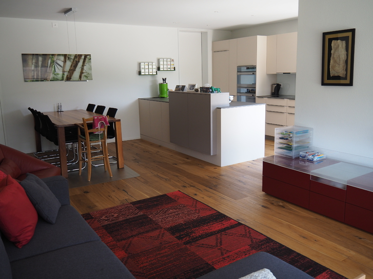 - befristet und wenn möglich möbliert zu vermieten- Eigentumswohnung mit Garten an der Aare.  4