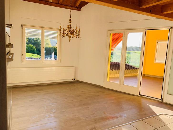 Zu vermieten eine Schöne 3.5 Zimmer Hausteil  3