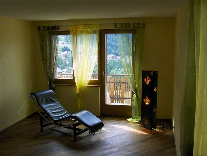 Chalet Zumofen in sonniger und ruhiger Lage, mit fantastischer, unverbaubarer Aussicht 3