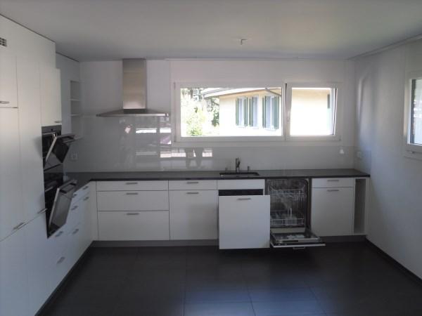 Tolle 5.5 Zimmer Wohnung mit Eigenheim Ausbaustandard 2