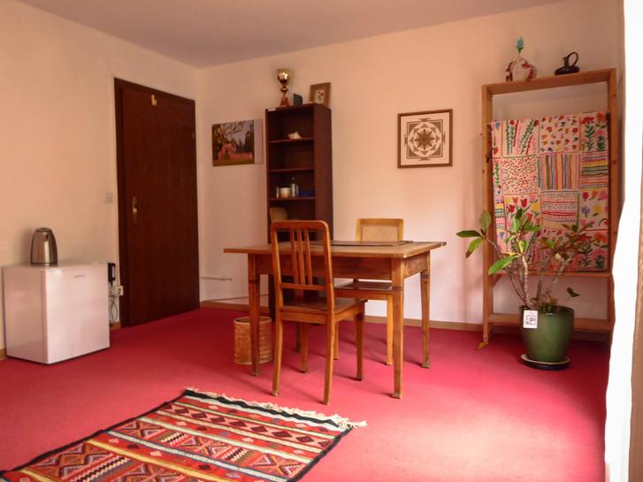 Helles Zimmer zu vermieten in ruhiger Lage 4
